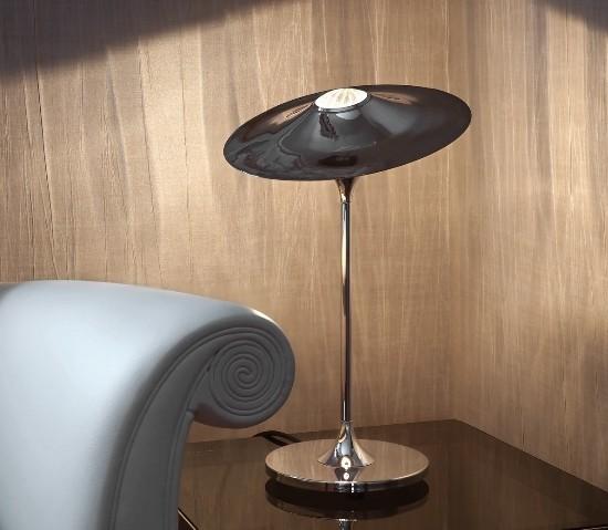 Intueri Light - Skew Table  - 2